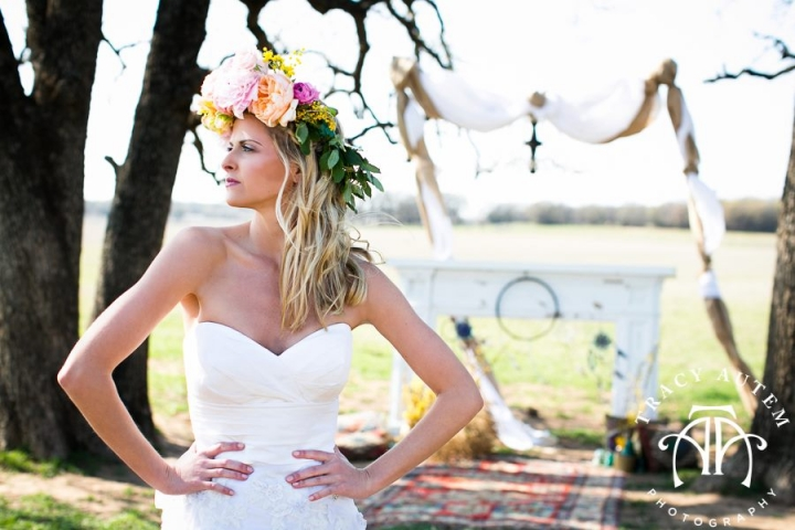 bohemian wedding, vintage rentals, classic oaks ranch, wedding head dress, wedding floral wreath, boho wedding