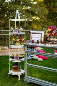 Four_Seaons_Dallas_texas_Tracy_Autem__Lightly_Photography_Gold_Dust_Vintage_Event_Rentals_Lightly_Photography_stand_dessert bar (267x400)