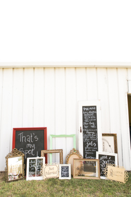 Gold-Dust-Vintage-Rentals-Inventory-Mansfield-Texas-The-Purple-Pebble-Photography-furniture_event_wedding_frames-windows-doors_peyronet_photography7 (267x400)