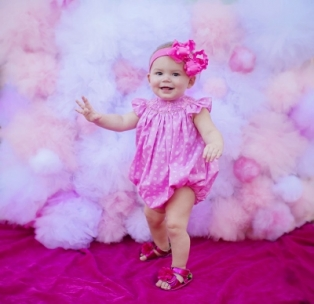 Kt_photography_christmas_minis_fort_dallas_worth_gold_dust_vintage_rentals_event_wedding_furniture_bed_backdrop-baby-newborn-pink