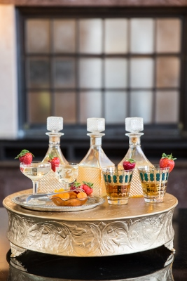 T&P_Texas_and Pacific_fort_worth_Texas_Michelle_Peyronet_Gold_Dust_Event_Vintage_Rentals_old-hollywood_shoot_gatsby_art_deco_wedding_dessert_bar_station_decanters-bar (267x400)