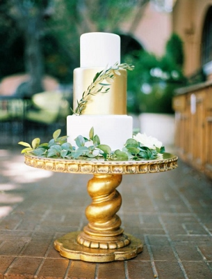 brides-of-north-texas-jen-rios-wedding-gold-dust-vintage-rentals-events-furniture-creme-de-la-creme-fort-worth-texas (305x400)