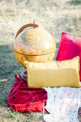 boho - shoot - callie - manion - photography - globe - bohemian - teppee - gold - dust - vintage - rentals (267x400)